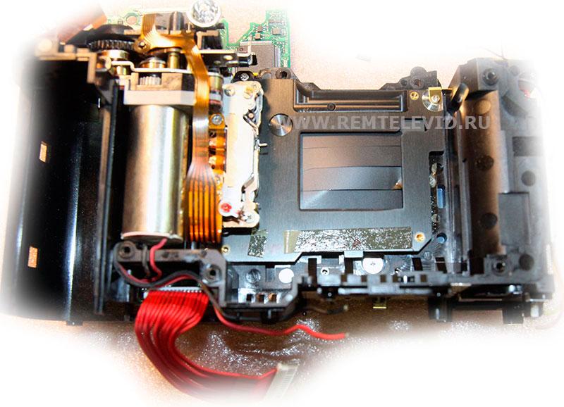 Неисправность затвора в Nikon D200, деформация шторки