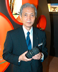 Митихиро Ямаки Японский инженер-оптик, основатель и бессменный руководитель компании Сигма. Включен в Залы славы Фото маркетинг ассошиэйшн и Международного фотографического совета.