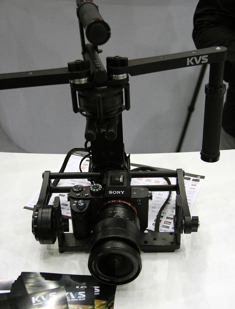 Трех-осевой штатив KVS с Фотокамерой Sony a7s