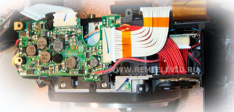 Распайка проводов на нижней плате фотокамеры Nikon D200