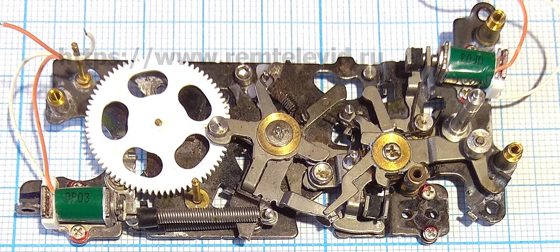 Ремонт механизма управления зеркалом и диафрагмой фотоаппарата Nikon D4