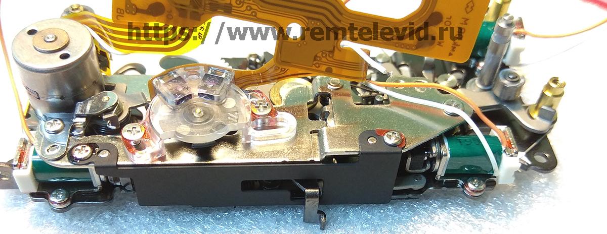 Конструкция привода зеркала и механизм управления диафрагмой фоткамеры Nikon D4
