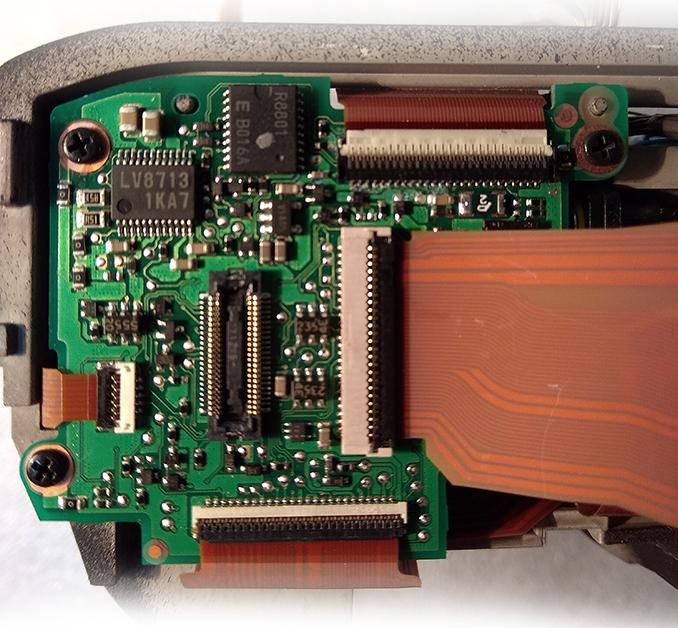 Плата с микросхемой драйвера LV8713 в Nikon D4